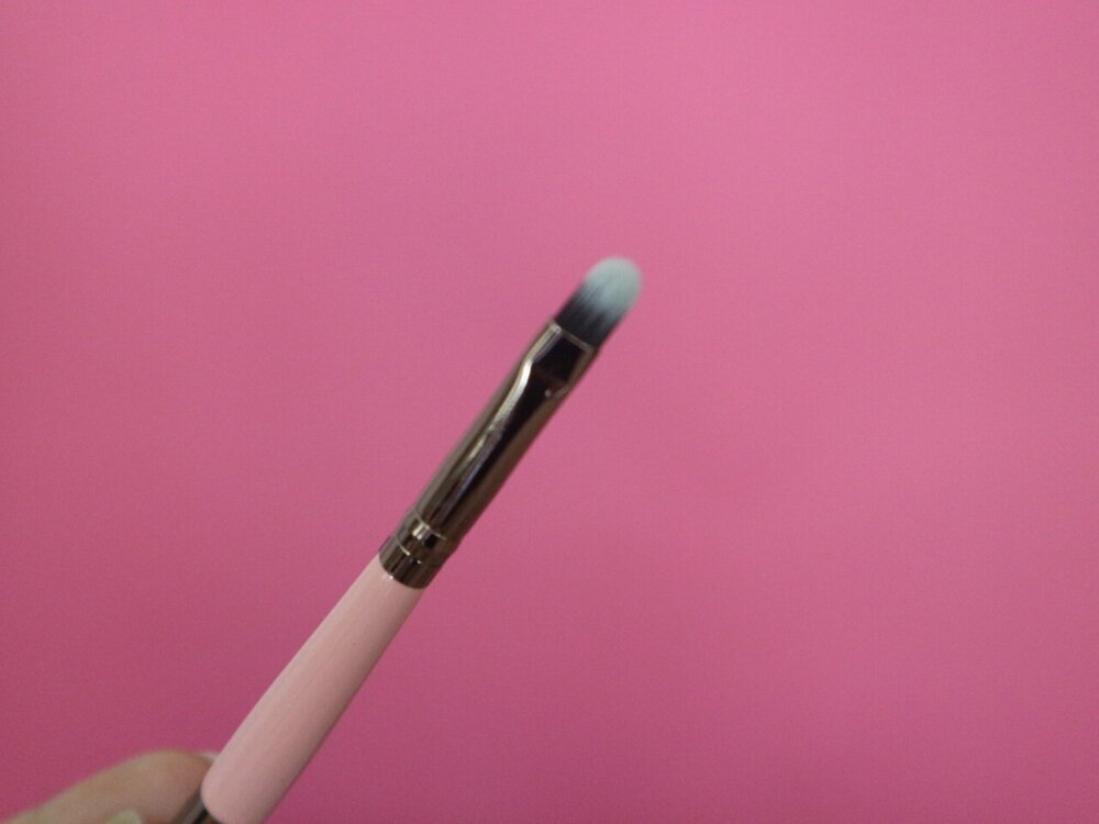 Luxie Beauty Lip Brush